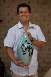 Alex Sosa - Songbirds Lamp - chulucanas handmade pottery