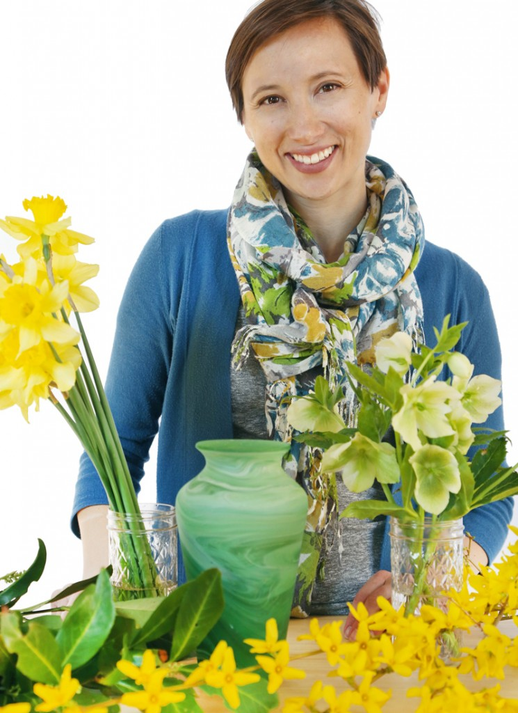 A Beginner's How-To Guide to Flower Arranging Ten Thousand Villages